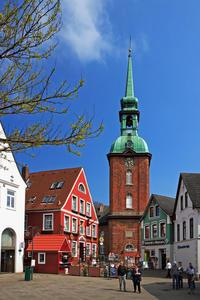 Rathausmarkt Kappeln mit St. Nikolai Kirche