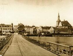 um 1900 Pontonbrücke